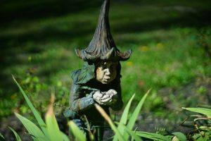 décorer son jardin avec des nains de jardin